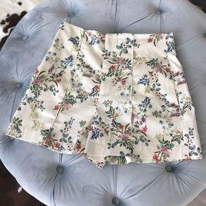 Zara women floral shorts